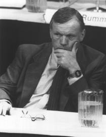 255-CB-86-H-271: Former Astronaut Neil Armstrong, Vice Chairman of the Presidential Commission on the Space Shuttle Challenger Accident, Listens to Testimony at the Kennedy Space Center.