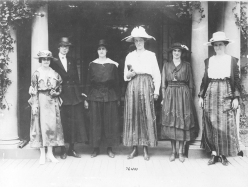 Women munition workers urge President to support suffrage bill. 165-WW-600-A6