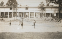 One-armed baseball team, Walter Reed Hospital. Serving them up à la Matthewson. 165-WW-255A-85
