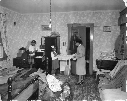 1947 1507 Lim St. Orderly Care Clothing (86-WWT-41-6)